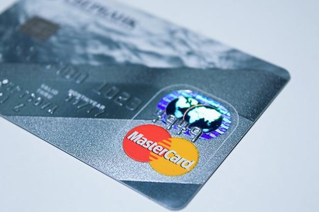 plastic-card-1647376_1280